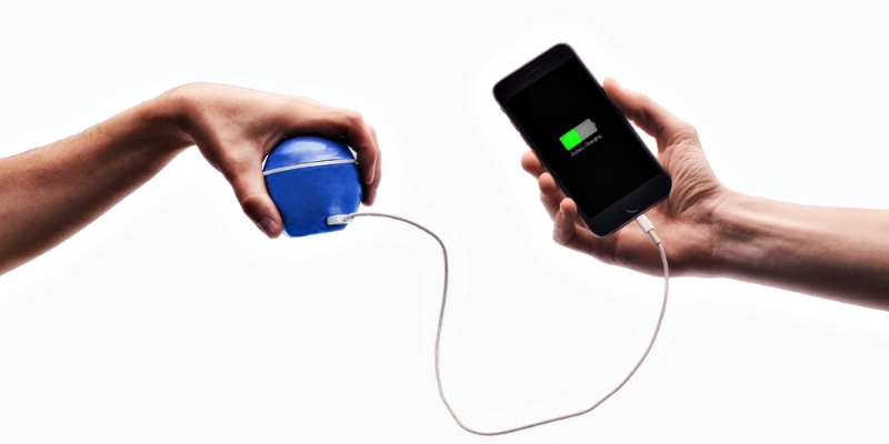 The New Eco-Friendly Power Bank HandEnergy.