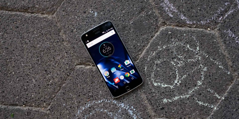 Moto Z And Moto Z Play Unveiled In India.
