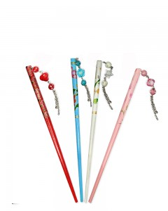 Comet Busters Wooden Multicolor Juda Pin/Juda Stick For Women (Set of 4)